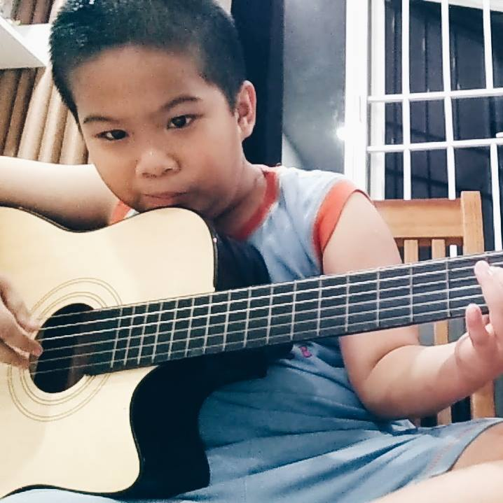 day kem guitar tai nha
